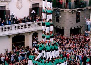 Castellers de Vilafranca - Primer Tres de deu amb folre i manilles carregat de la història 3d10fm 3de10fm
