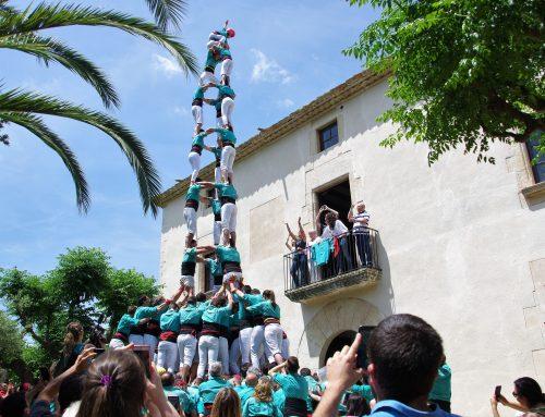 Els Castellers de Vilafranca converteixen Can Cassanyes, la casa d'Oriol Rossell, en plaça de nou