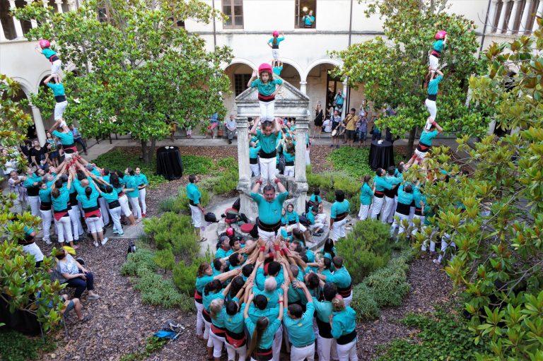 Pilars dels Castellers de Vilafranca al Claustre de Sant Francesc