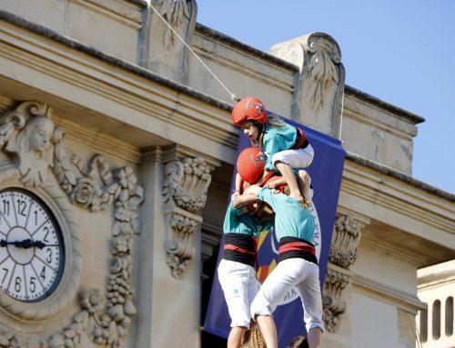 Els Castellers de Vilafranca retran homenatge a les seves enxanetes